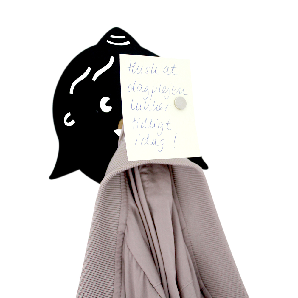 Knage - mor med hul i næsen - sort